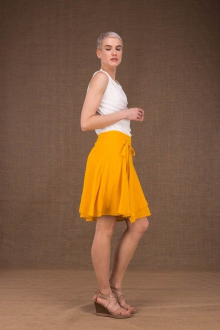 Aria jupe courte portefeuille jaune en coton - 2