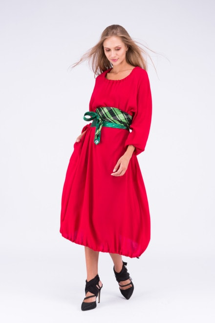 Tie-Belt green and black and a red cotton dress