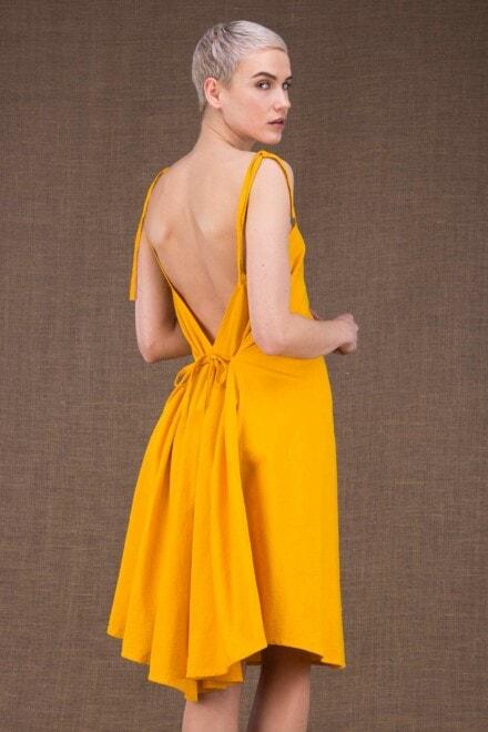 Ma Courte robe jaune en coton - 1