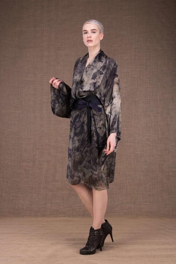 Tropical robe-kimono imprime a la main en soie - 1