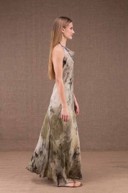 SARA long dress with open back in eco print silk 2