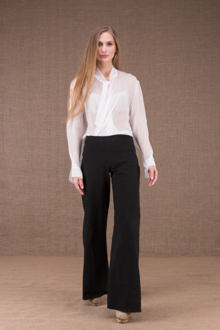 WOW Black high waist pants in organic cotton 1
