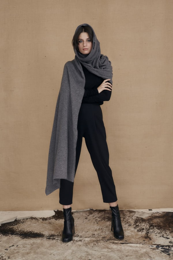Gray wool single sleeve shawl TATRY - 4