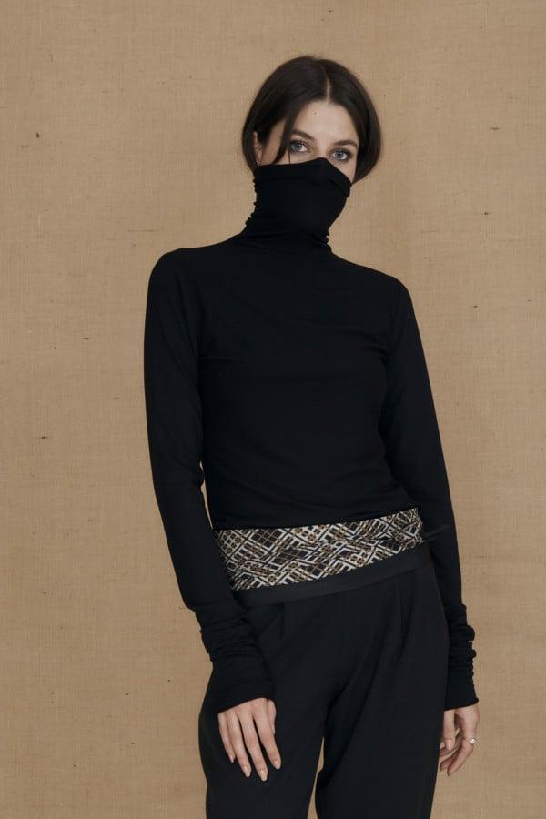 Fine-knit black viscose turtleneck WONDER - 2-1