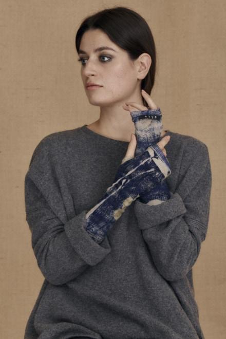Eco-print wool mittens blue FLORA - 1