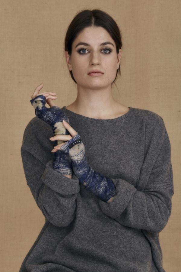 Eco-print wool mittens blue FLORA - 2