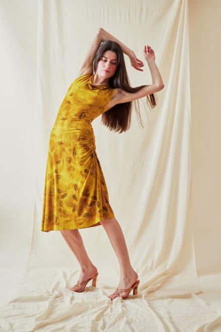 Mid-length eco-print knit dress THILIA Curry - 2
