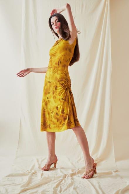 Mid-length eco-print knit dress THILIA Curry - 3